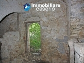 Countryhouse with 3 hectares of land in Salcito, Molise! 17