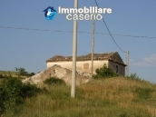 Countryhouse with 3 hectares of land in Salcito, Molise! 9