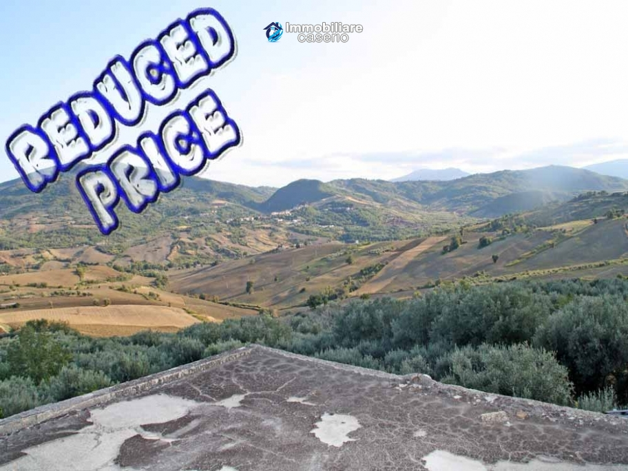 Stone village house to renovate with garden and a view hills for sale Abruzzo, Italy