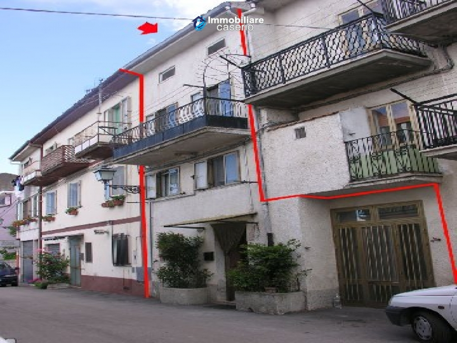 House on four levels for sale in Palmoli