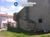 Habitable house with land, garden and terrace for sale in Tornareccio, Abruzzo 2
