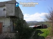 Habitable house with land, garden and terrace for sale in Tornareccio, Abruzzo 3