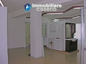 Commercial unit on three levels in Monteodorisio 10