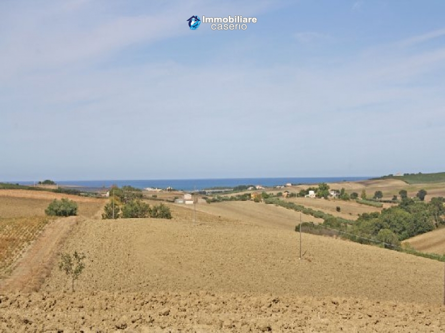Land with building permission at the Marina di Montenero
