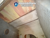 Cottage rustic stone house with land for sale in Gissi, Abruzzo, Italy 11