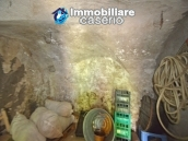 Cottage rustic stone house with land for sale in Gissi, Abruzzo, Italy 12
