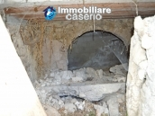 Cottage rustic stone house with land for sale in Gissi, Abruzzo, Italy 14
