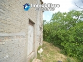 Cottage rustic stone house with land for sale in Gissi, Abruzzo, Italy 16