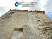 Cottage rustic stone house with land for sale in Gissi, Abruzzo, Italy 17