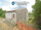 Cottage rustic stone house with land for sale in Gissi, Abruzzo, Italy 3