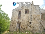Cottage rustic stone house with land for sale in Gissi, Abruzzo, Italy 4