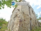 Cottage rustic stone house with land for sale in Gissi, Abruzzo, Italy 5