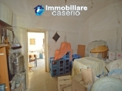 Cottage rustic stone house with land for sale in Gissi, Abruzzo, Italy 8